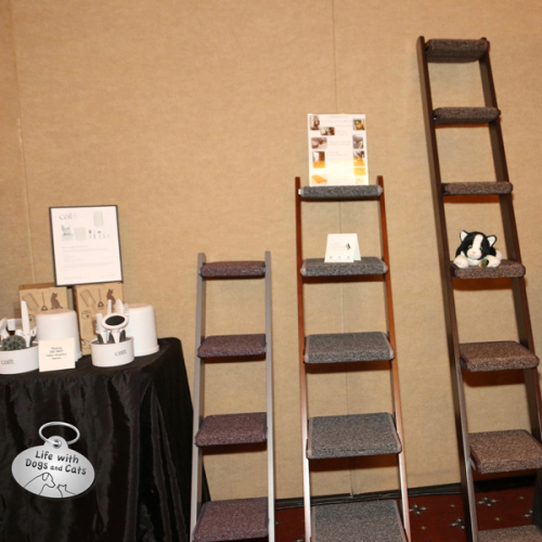I love these cat ladders. I know they would make a difference in my home.